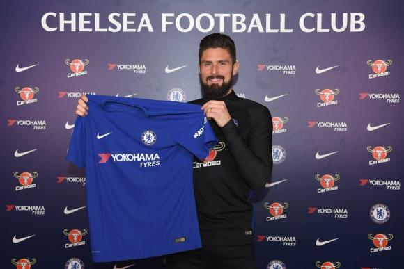 Olivier Giroud presentado en Chelsea. Foto: @ChelseaFC