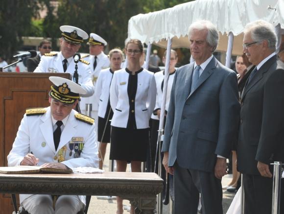 El presidente Vázquez asistió a la toma de mando de Carlos Abilleira. Foto: F. Flores
