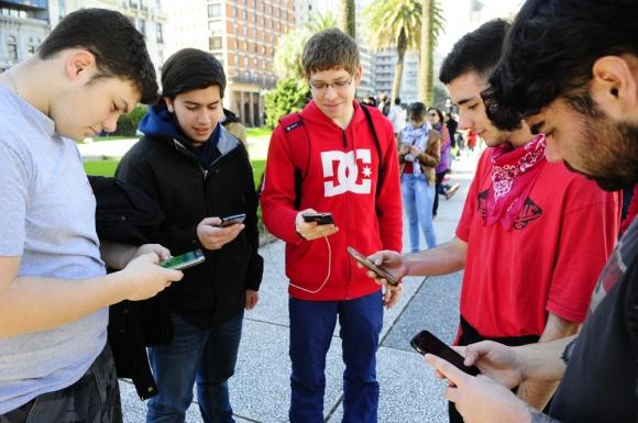 Uruguay es ejemplo, según el BID, en el acceso que tienen los pobres a Internet. Foto: M. Bonjour