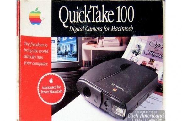 La QuickTake, una cámara fotográfica de Apple que permitía fotografías digitales a una resolución de 640 x 480 o 320 x 240. Este producto no se vendió como se esperaba en un mercado que ya dominaban Kodak, Canon y Nikon. Foto: Apple