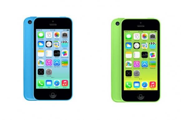 El iPhone 5C ha sido catalogado por algunos, como la revista Wired, como una falla o un tropiezo. Esto bajo al argumento de que un terminal que prometía ser bueno, a bajo costo, estaba a solo 100 dólares de diferencia con un modelo de punta de la marca. S