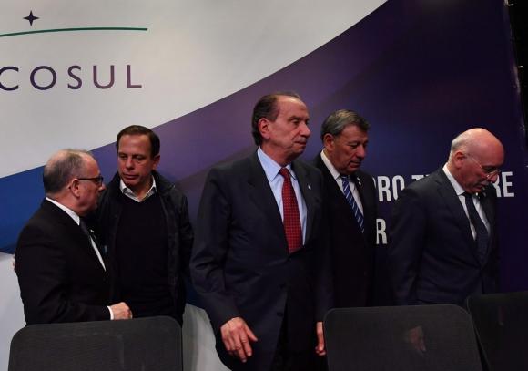 Cancilleres del Mercosur se reunieron con sus pares en Bruselas. Foto: AFP