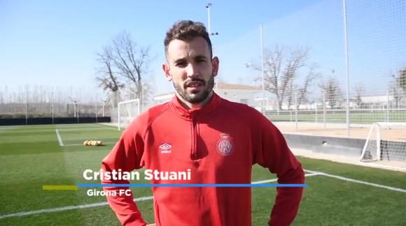 Christian Stuani saluda al Club Atlético Torque.