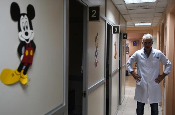 Uno de los debes que más avergüenzan a Peluffo es el servicio de Otorrinolaringología. Foto: A. Colmegna