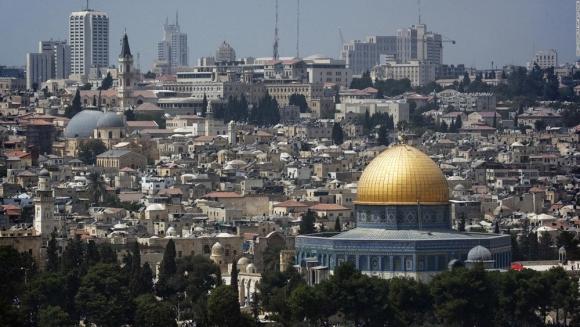 Jerusalén es una joya única en el mundo porque reúne escenarios históricos y es ámbito de desarrollo tecnológíco. Foto: AFP