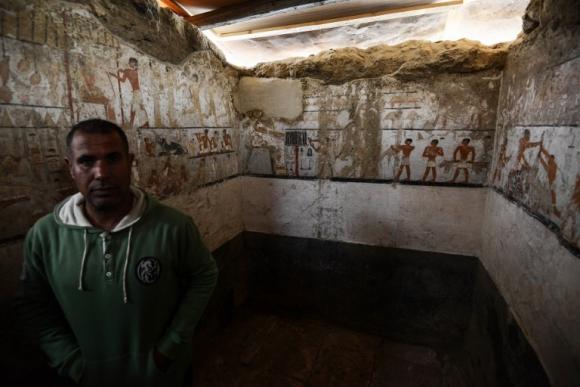 La tumba de la sacerdotisa y sus murales. Foto: AFP