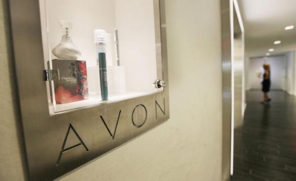 Reestructura. Avon recortará 2.500 puestos de trabajo y mudará su sede para pagar menos impuestos. Foto: AFP.