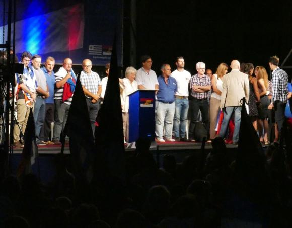 En el festejo del 47° aniversario del FA, varios dirigentes alertaron por un avance continental de la derecha. Foto: R. Figueredo