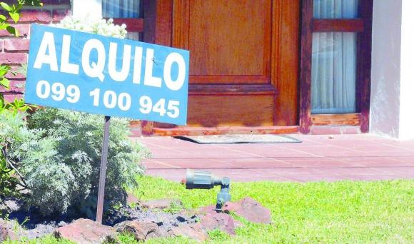 Oferta. Un 90% de los alquileres se concretan en el ámbito informal, dijo Sena. (Archivo El País)