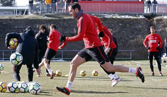 Diego Godín volvió al trabajo con todo el plantel del Atlético Madrid