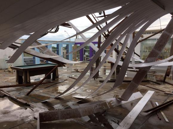La sede y cancha de fútbol 5 de Boca Juniors se derrumbó. Foto: Néstor Araújo