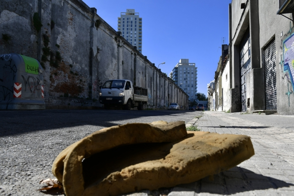 50% es el aumento del valor de los terrenos de barrios como Cordón y Palermo. En 2011, el metro cuadrado costaba US$ 1.700 y ahora se vende a US$ 2.500. Foto: Fernando Ponzetto