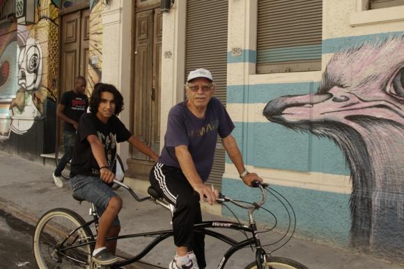 Los vecinos de El Bajo, en Ciudad Vieja, son ambiguos con los cambios. La gran mayoría quiere ver más poblado el barrio. Foto: Gabriel Rodríguez