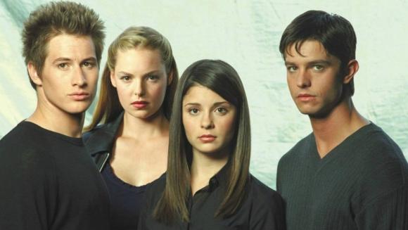 La serie Roswell tendrá un reinicio con nuevos actores