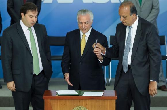 Decisión: el presidente Temer encara la seguridad. Foto: AFP