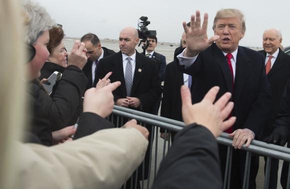 El presidente Trump saluda a los ciudadanos de Salt Lake City, Foto: AFP