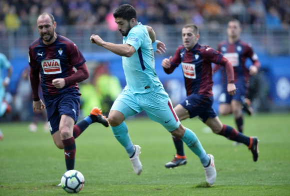 Luis Suárez sigue en carrera ascendente en el ranking de goleadores del Barcelona