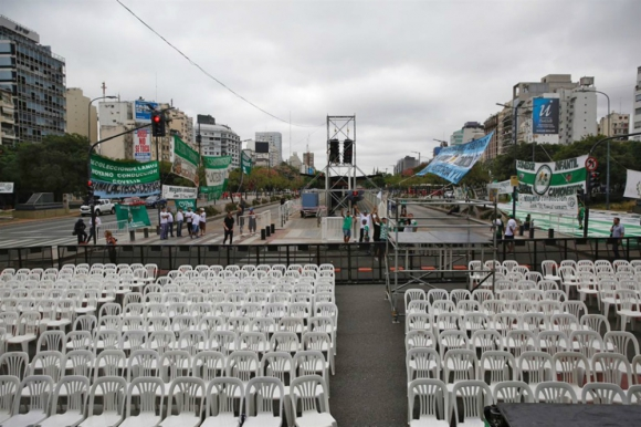 Escenario donde se realizará la oratoria luego de la marcha de Moyano. Foto: La Nación.