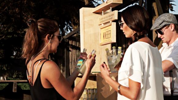 Innovador. La bebida se basa en la combinación de distintas cepas de vinos blancos, levadura, a los que se suman variedades de lúpulos