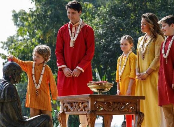 Justin Trtudeau en India con su familia. Foto: Twitter @justinpjtrudeau