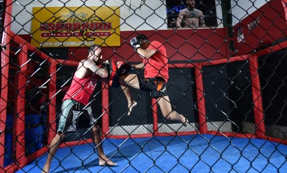 Luchadores. Leonardo Estévez y Agustín Zas entrenando. Foto: Fernando Ponzetto