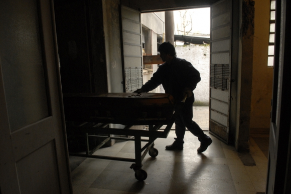 Servicios fúnebres solo darán servicios fundamentales para la población. Foto: archivo El País.