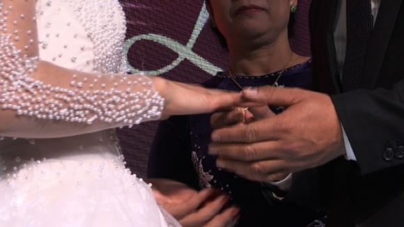 Las bodas ficticias salvan el honor de las madres solteras en Vietnam