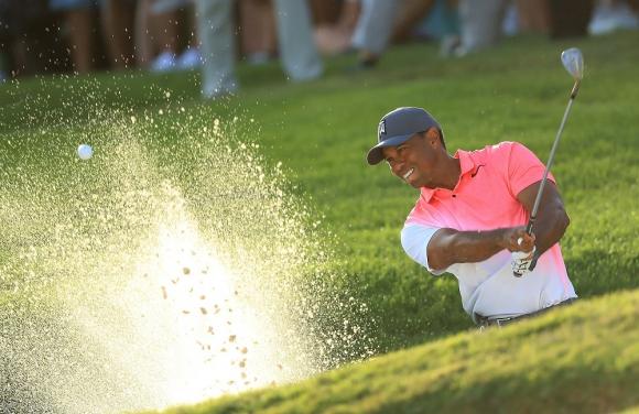 Esperado regreso. De a poco, Tiger Woods está mejorando su nivel de juego. Foto: AFP