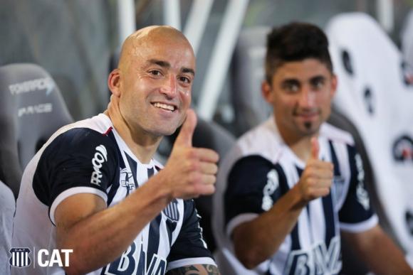 """Un gol del """"Tanque"""" Silva para el triunfo de Talleres de Córdoba"""