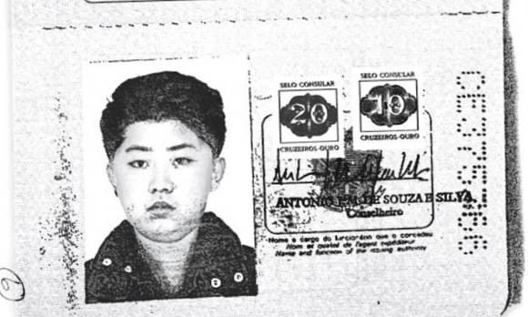 Salieron a la luz las visas truchas de Kim y su padre