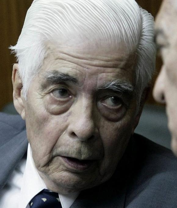 Luciano Benjamín Menéndez murió a los 90 años. Foto: EFE