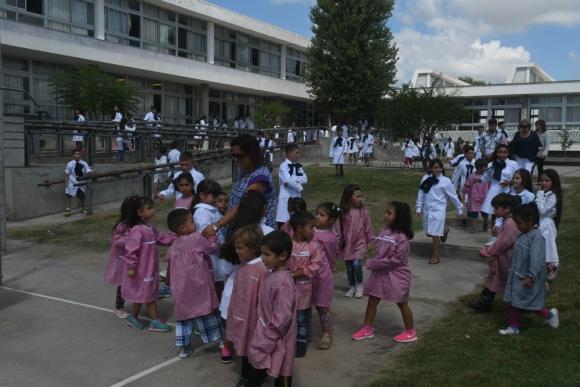 Las autoridades de la educación recorrieron uno de los Centros Educativos Asociados. Foto: F. Flores