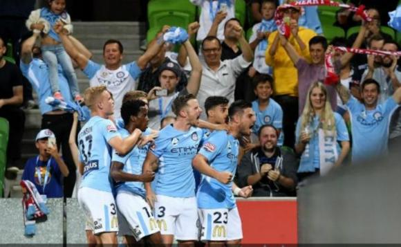 Bruno Fornaroli celebra su gol en el clásico ante el Melbourne Victory