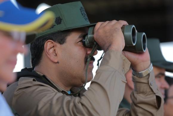 Maduro busca mostrarse fuerte y que tiene el control de la Fuerzas Armadas previo a las elecciones. Foto: Reuters