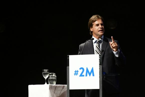 "Luis Lacalle Pou exigió medidas ""urgentes"" al gobierno. Foto: Fernando Ponzetto"