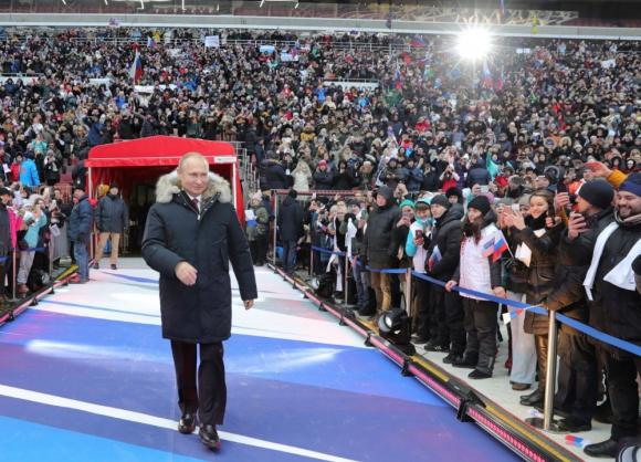 Vladimir Putin en un acto de campaña para la elección presidencial. Foto: Reuters.