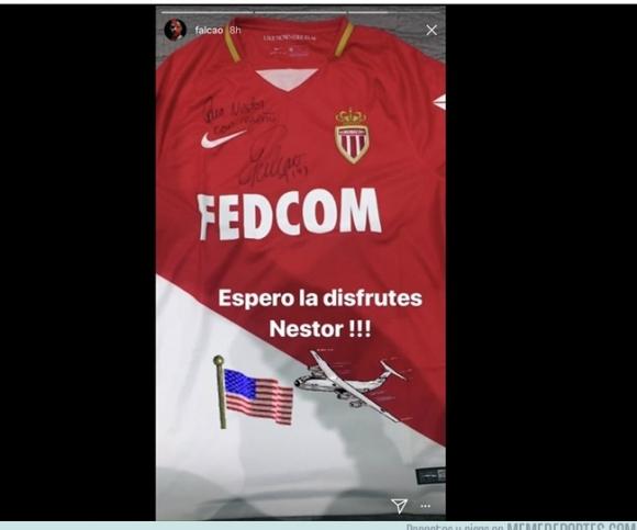La camiseta de Facao un fanático suyo. Foto: @falcao