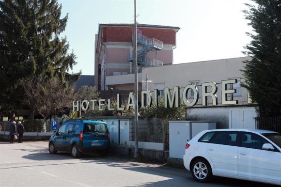 La fachada del hotel La di Moret, donde se alojó Fiorentina. Foto: EFE