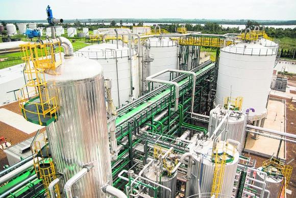 Planta de etanol: su construcción generó un incremento del déficit de ALUR. Foto: ALUR