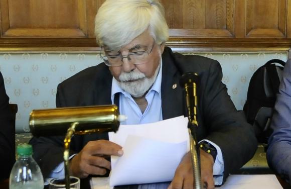 Polémica: el ministro defendió sus políticas y fue criticado. Foto. D. Borrelli
