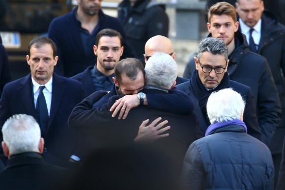 Giorgio Chiellini fue uno de los futbolistas que no pudo ocultar su dolor