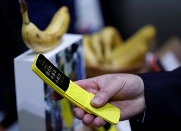 """Nokia. Relanzó su """"banana phone"""", apelando a la nostalgia. Foto: Reuters."""