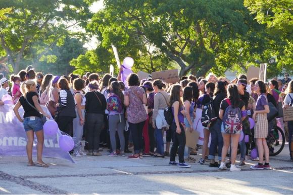 Marcha del Día de la Mujer en Maldonado. Foto: Ricardo Figueredo