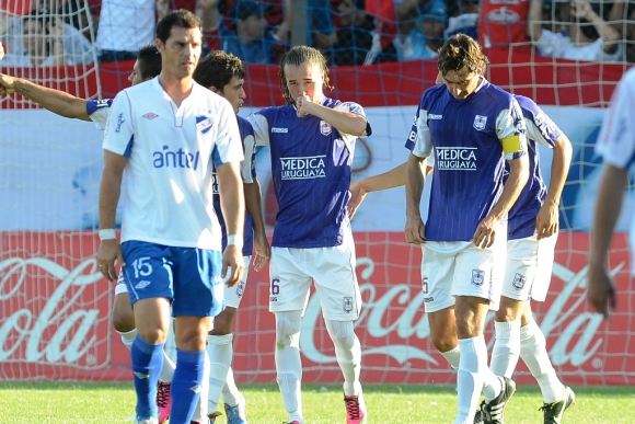El festejo de Laxalt luego de su gol para el 1-0. Foto: Archivo El País
