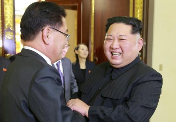 Kim Jong-un: el dictador se mostró sonriente e hizo chistes sobre sí mismo. Foto: Reuters