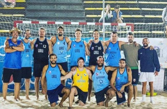Selección uruguaya de beach handball masculino.
