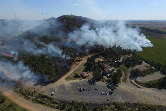 El fuego afectó una superficie de sierras superior a las 300 hectáreas. Foto: R. Figueredo