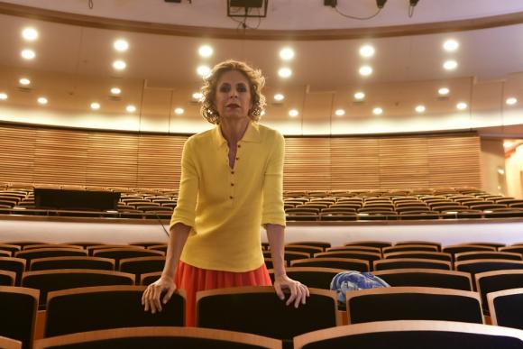 La diseñadora española Agatha Ruiz de la Prada que realizó el vestuario del ballet La Bella Durmiente charló con El País. Foto: Darwin Borrelli