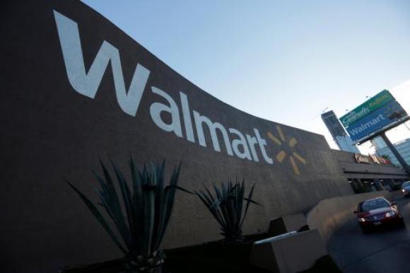 """Retailer. """"Estamos ampliando esta promesa al ayudar a que incluso más clientes ahorren tiempo y dinero sin abandonar sus hogares"""", señaló el vicepresidente de operaciones digitales de Walmart, Tom Ward."""