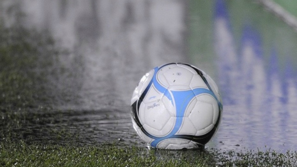 El fútbol suspendido por la lluvia